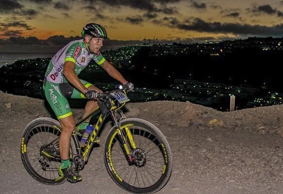 Cycling-in-the-night.-I-Cronoescalada-a-Cortadores-2016-Gran-Canaria-5-750x500